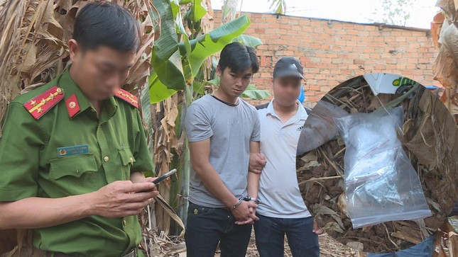 Bạn tù 'đặt hàng' mua 1kg ma túy từ Điện Biên vào Đắk Lắk tiêu thụ ảnh 1