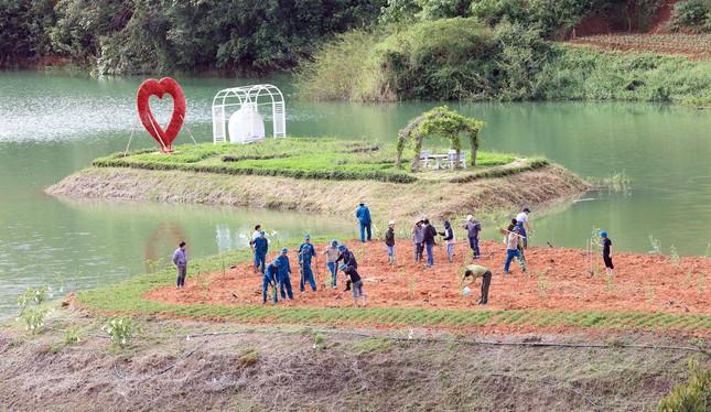 Cả chục doanh nghiệp 'băm nát' thắng cảnh quốc gia hồ Tuyền Lâm ảnh 4