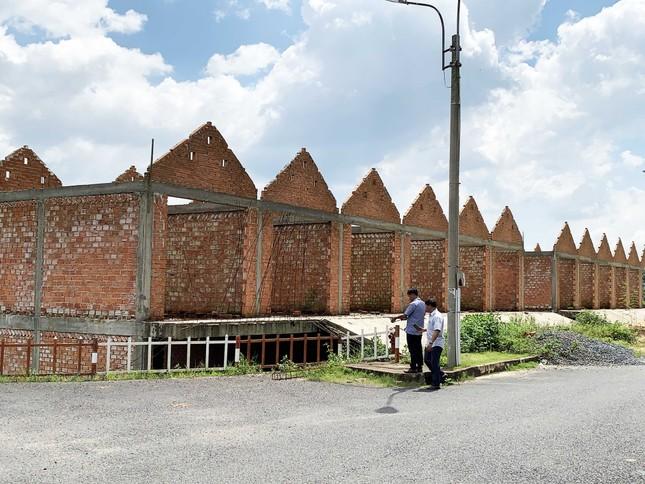 Buộc tháo dỡ 28 ki ốt phá vỡ kiến trúc khu chợ đẹp bậc nhất Việt Nam ảnh 1