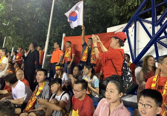 Đồng hương thầy Park trở thành fan 'cuồng' của U22 Việt Nam ảnh 1
