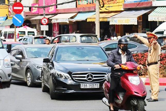 Du khách nườm nượp đổ về Đà Lạt, kẹt xe cục bộ ở nhiều tuyến đường ảnh 4