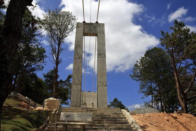 Kiến nghị dỡ cầu kính không phép ở Thung lũng tình yêu ảnh 1