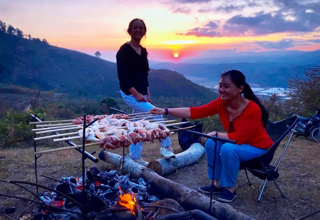 Ngừng trekking cung đường đẹp nhất Việt Nam ảnh 2