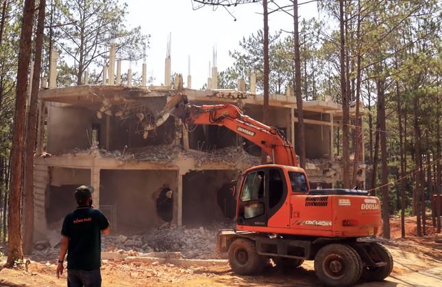 Cưỡng chế khu nghỉ dưỡng 4 sao phá rừng ở Đà Lạt ảnh 2