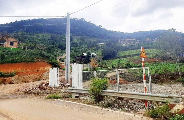 Chỉ đạo giải tỏa toàn bộ ngôi làng xây 'chui' trên đất rừng ảnh 4