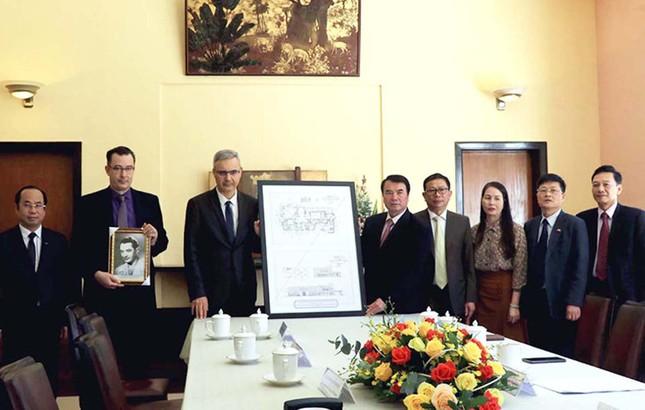 Đại sứ Pháp trao tặng sơ đồ thiết kế dinh Bảo Đại ảnh 1