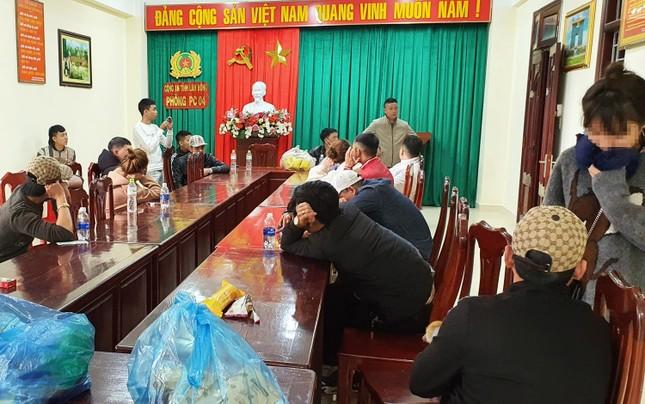 'Đột kích' quán bar ở Đà Lạt, phát hiện nhiều dân chơi dương tính ma túy ảnh 1