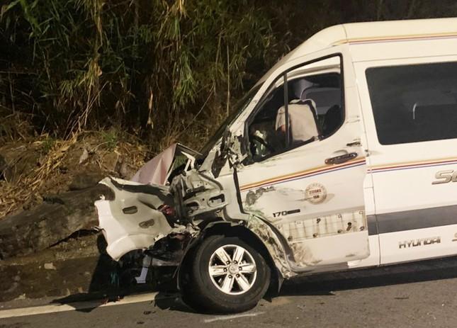 Xe container gây tai nạn liên hoàn với 5 ô tô trên đèo Bảo Lộc, nhiều người bị thương ảnh 1