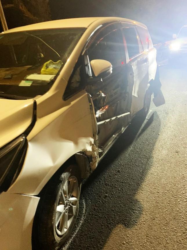 Xe container gây tai nạn liên hoàn với 5 ô tô trên đèo Bảo Lộc, nhiều người bị thương ảnh 2