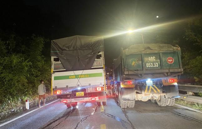 Xe container gây tai nạn liên hoàn với 5 ô tô trên đèo Bảo Lộc, nhiều người bị thương ảnh 3