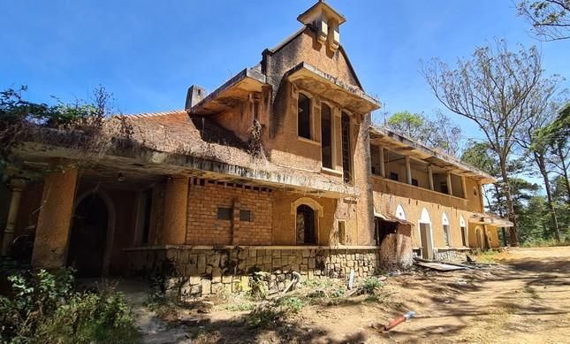 Tu viện cổ, bị đồn 'ma ám' ở Đà Lạt đang trùng tu? ảnh 2