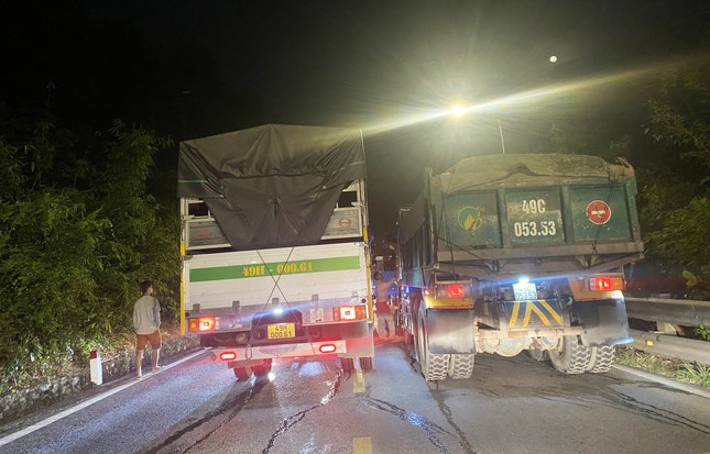 Phạt nguội xe vi phạm giao thông trên đèo 'tử thần' ảnh 4