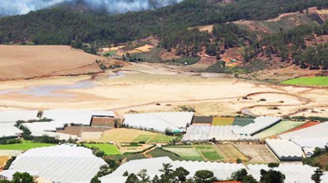 Hạn khốc liệt, hồ chứa nước sinh hoạt thành phố Đà Lạt trơ đáy ảnh 3
