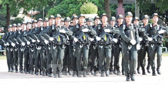 Mục kích những màn nội công thượng thừa của cảnh sát cơ động ảnh 2