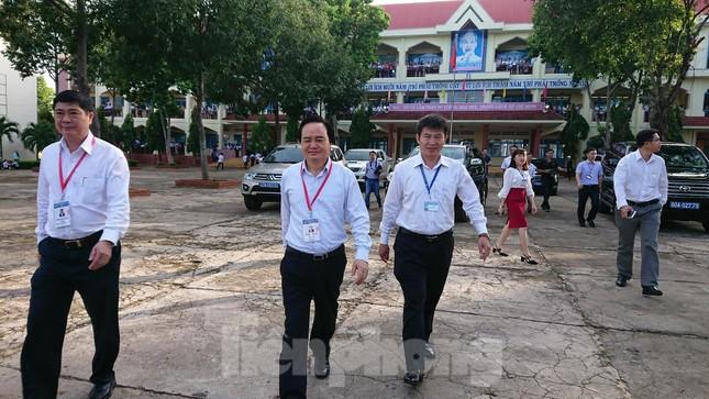 Bộ trưởng Phùng Xuân Nhạ chỉ đạo công tác coi thi ở Đắk Lắk ảnh 1