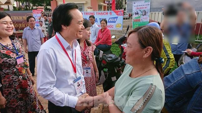Bộ trưởng Phùng Xuân Nhạ chỉ đạo công tác coi thi ở Đắk Lắk ảnh 3