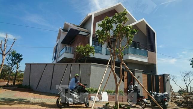 Bất lực trước nhiều biệt thự xây trái phép trên đất nông nghiệp ảnh 2
