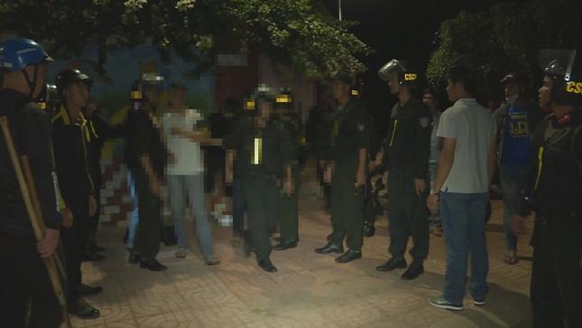 Dân 'mật báo', công an chặn hàng chục thanh thiếu niên hỗn chiến ảnh 1
