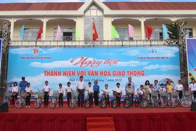 Hơn 1.500 đoàn viên dự ngày hội 'Thanh niên với văn hoá giao thông' ảnh 2