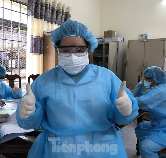 Chùm ảnh mới nhất về bệnh nhân COVID-19 đầu tiên và bác sỹ điều trị ở Đắk Lắk ảnh 3