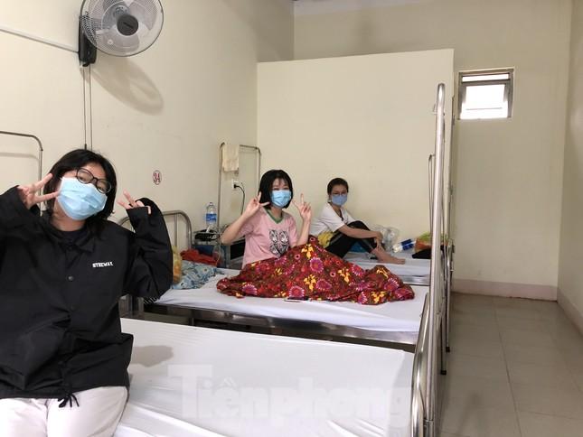 Chùm ảnh mới nhất về bệnh nhân COVID-19 đầu tiên và bác sỹ điều trị ở Đắk Lắk ảnh 11