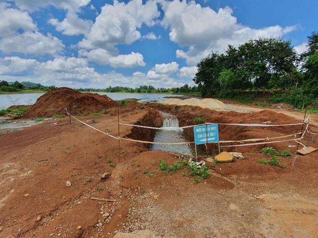 Cận cảnh dự án cải tạo hồ huyện có dấu hiệu lừa dối tỉnh ảnh 6