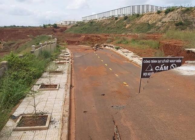 Công trình 'nghìn tỷ' ở Đắk Nông 5 lần sụt lún nghiêm trọng ảnh 2