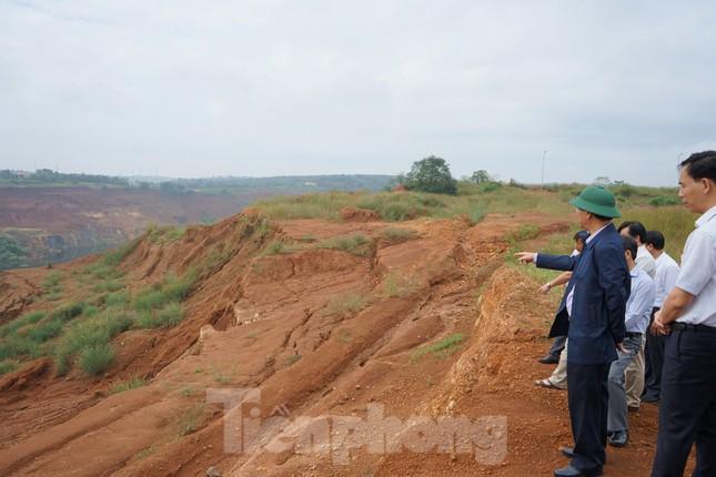 Bí thư Tỉnh ủy Đắk Nông thị sát dự án 'nghìn tỷ' 5 lần sụt lún ảnh 1