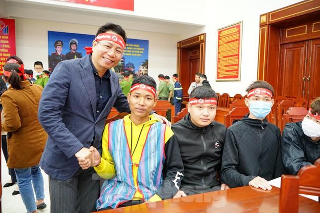 Chủ nhật Đỏ tại Công an tỉnh Đắk Lắk: Nhà tu hành, người dân vào hiến máu ảnh 8