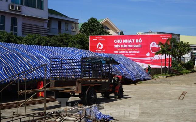 Chủ nhật Đỏ ở Tây Nguyên ngày 2/2: Hơn 2.200 người dân huyện Ea Kar muốn hiến máu ảnh 1