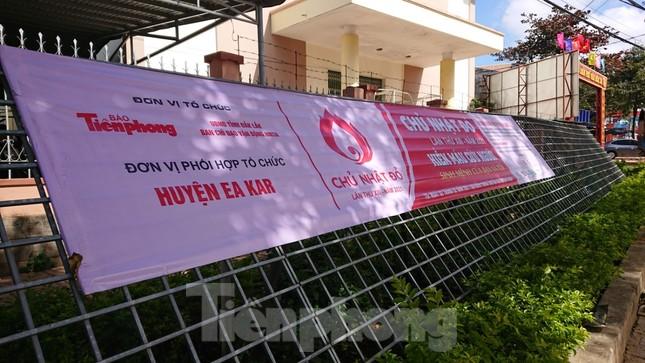 Chủ nhật Đỏ ở Tây Nguyên ngày 2/2: Hơn 2.200 người dân huyện Ea Kar muốn hiến máu ảnh 4