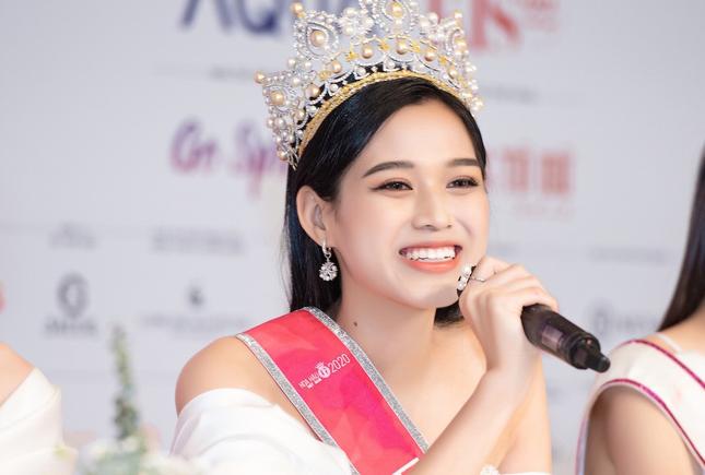 Hoa hậu Đỗ Thị Hà tiết lộ mẫu bạn trai lý tưởng ảnh 3