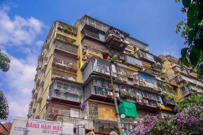 'Chuồng cọp' bao phủ khu chung cư đắc địa Thủ đô ảnh 1