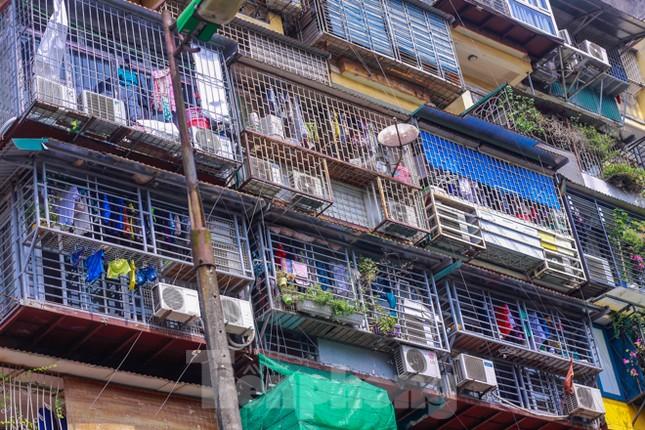 'Chuồng cọp' bao phủ khu chung cư đắc địa Thủ đô ảnh 2