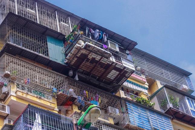 'Chuồng cọp' bao phủ khu chung cư đắc địa Thủ đô ảnh 3