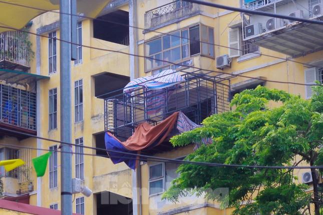 'Chuồng cọp' bao phủ khu chung cư đắc địa Thủ đô ảnh 9