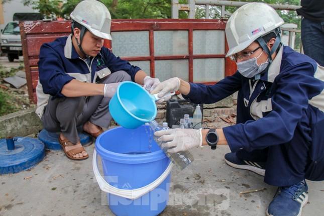 Bắt đầu xử lý bùn sông Tô Lịch thành khí CO2 bằng 'bảo bối' Nhật ảnh 12