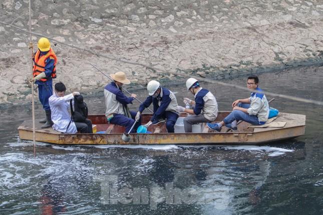 Bắt đầu xử lý bùn sông Tô Lịch thành khí CO2 bằng 'bảo bối' Nhật ảnh 3