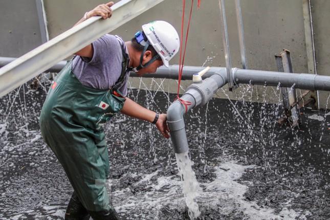 Bắt đầu xử lý bùn sông Tô Lịch thành khí CO2 bằng 'bảo bối' Nhật ảnh 8