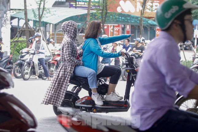 Xe đạp điện phóng như xe máy trên đường phố Hà Nội ảnh 5