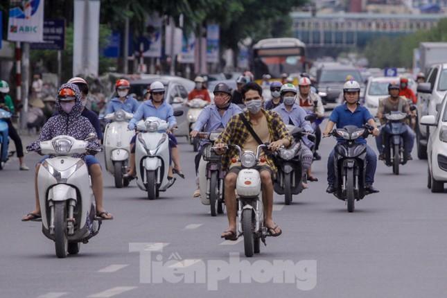 Xe đạp điện phóng như xe máy trên đường phố Hà Nội ảnh 3