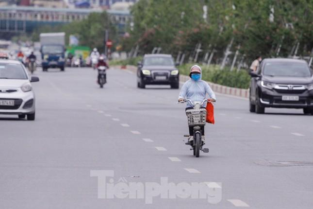 Xe đạp điện phóng như xe máy trên đường phố Hà Nội ảnh 7