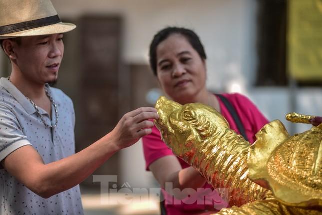 Tận thấy 'cụ rùa Hồ Gươm' khổng lồ được mạ vàng 9999 ảnh 2