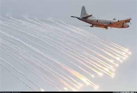 'Sát thủ săn ngầm' hàng đầu thế giới P-3C Orion thăm Việt Nam ảnh 12