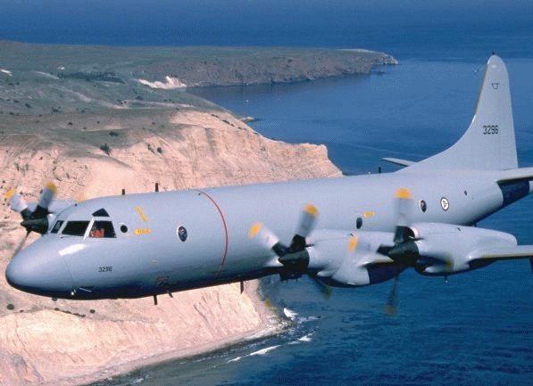 'Sát thủ săn ngầm' hàng đầu thế giới P-3C Orion thăm Việt Nam ảnh 20