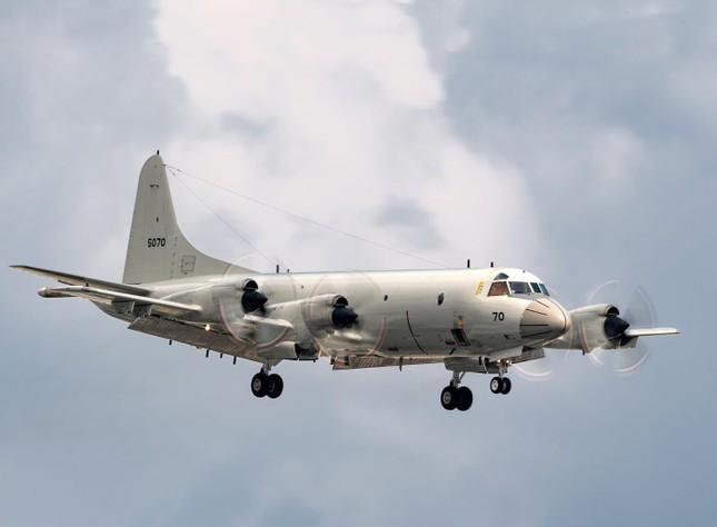 'Sát thủ săn ngầm' hàng đầu thế giới P-3C Orion thăm Việt Nam ảnh 6
