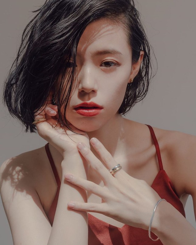 Nữ nha sĩ Nhật Bản được mời làm người mẫu nội y vì quá nóng bỏng ảnh 10