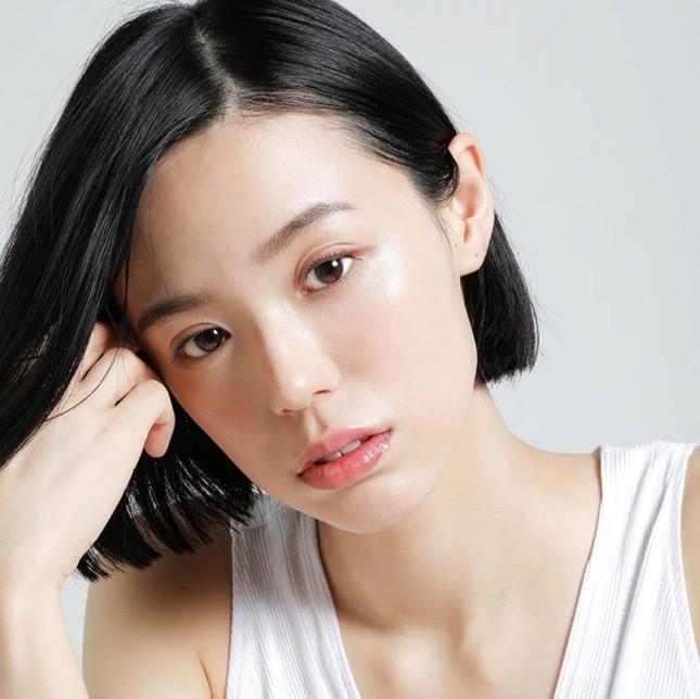 Nữ nha sĩ Nhật Bản được mời làm người mẫu nội y vì quá nóng bỏng ảnh 2