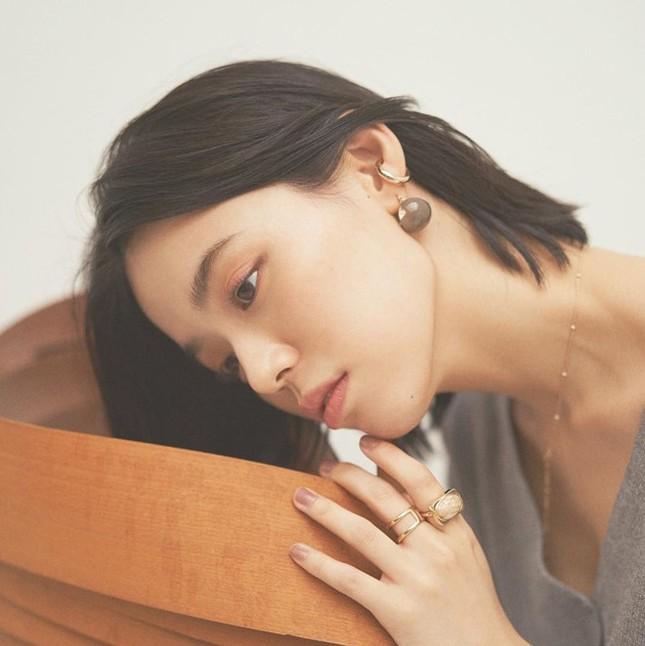 Nữ nha sĩ Nhật Bản được mời làm người mẫu nội y vì quá nóng bỏng ảnh 3