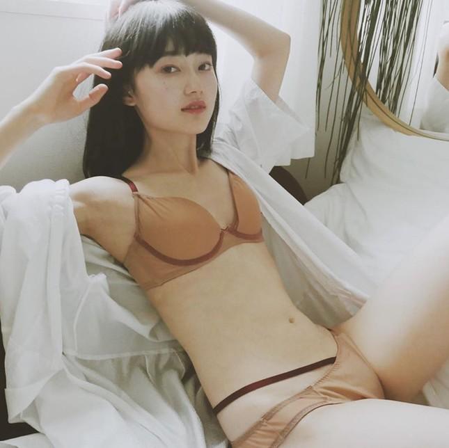 Nữ nha sĩ Nhật Bản được mời làm người mẫu nội y vì quá nóng bỏng ảnh 7